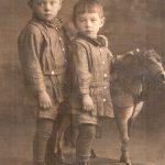 Салакины Виктор и Борис (мой папа)