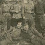 Зернов Виктор Леонтьевич (верхний ряд, 3-й слева)